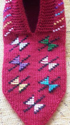 Knitting Baby Girl, Baby Knitting Patterns, Stitch Patterns, Crochet Patterns, Fair Isle Knitting, Knitting Socks, Kids Rugs, Booty, Rage