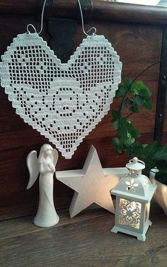 Corazón con ángel un hermoso trabajo de ganchillo con patrón # häkeln ideen weih . - Corazón con ángel un hermoso trabajo de crochet con patrón # häkeln ideen weihnachten anleitung - Crochet Table Runner Pattern, Crochet Snowflake Pattern, Crochet Snowflakes, Crochet Cross, Crochet Art, Thread Crochet, Filet Crochet, Crochet Doilies, Crochet Patterns