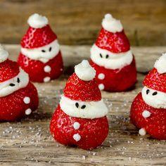 🍴Jahodoví santové recept – rychle, zdravě a jednoduše 🍴 Jimezdrave.cz Strawberry, Fruit, Christmas, Food, Saints, Xmas, Essen, Strawberry Fruit, Navidad