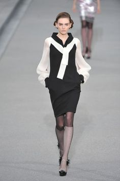Chanel Spring 2009 Ready-to-Wear Collection Slideshow on Style.com
