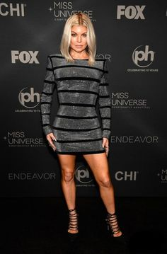 801763e7585a Oh man Fergie is rockin this dress! Not sure how I feel about the shoulder
