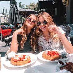 VSCO is a creative channel. Cute Friends, Best Friends, Best Friend Fotos, Tumblr Bff, Breakfast Pictures, Cute Friend Pictures, Friend Poses, Insta Photo Ideas, Jolie Photo
