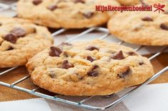 Looking for a great Chocolate Chip Cookies recipe? Get family cooking recipes to make with kids and adults and recipes for homemade Chocolate Chip Cookies. Chocolate Chip Cookies Rezept, Cookies Receta, Lactation Recipes, Lactation Cookies, Protein Cookies, Healthy Cookies, Delicious Cookies, Keto Cookies, Delicious Desserts