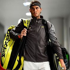 Finding The Comfortable Tennis Racquet Bag in 2020 - Tennis Racket Pro Tennis Rafael Nadal, Rafael Nadal Fans, Nadal Tennis, Tennis Bag, Tennis Racket, Babolat Tennis, Rafa Nadal, Tennis World, Tennis Quotes
