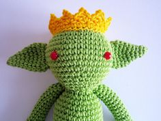 Live Like You're a King (or Queen)!  ~ 10% off all featured shops by Laura on Etsy