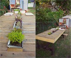 Gartentisch selber bauen aus paletten  DIY Gartentisch aus alten Brettern / Tisch aus Gerüstdielen / www ...