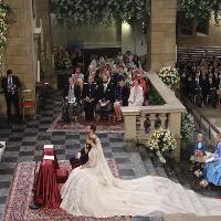Wort.lu - Die schönsten Momente der Prinzenhochzeit im Video. Von den royalen Hochzeitsgästen über die Trauungszeremonie in der Kathedrale mit dem Ehegelübde bis hin zum lang erwarteten Kuss auf dem Balkon des Palastes: Sehen Sie Sich die Highlights der Vermählung von Erbgroßherzog Guillaume und Prinzessin Stéphanie im Wort.lu-Video an.