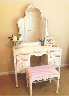 This is what my vintage vanity will look like!!!