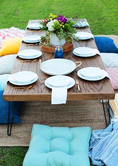 DIY - Low entertaining table, hairpin legs with 1 sheet of furniture-grade plywood (+1 sheet plywood as base) and a few lengths of 1×2″ trim! Stain it black or grey.