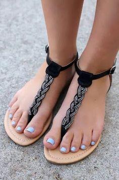 Faux Leather Weave Flat Sandals - Source by lauramichellekunert - Women's Shoes, Sock Shoes, Cute Shoes, Me Too Shoes, Shoe Boots, Cute Sandals, Strappy Sandals, Flat Sandals, Beach Sandals