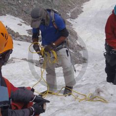 Advance #Mountaineering Course - Instructor demonstrating #Anchor and #Belay in #Snow