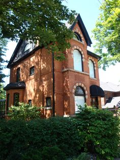 Aberdeen Section of Hamilton, Ontario, Canada. Old Victorian Brick Homes. the beautiful area I used to live in