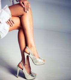 Du möchtest schlanke Beine und diesen Sommer besonders viel Haut zeigen? Hier sind 3 Übungen für schlanke Beine!