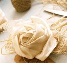 おしゃれなリボンコサージュ作り方 Diy And Crafts, Arts And Crafts, Fabric Flowers, Icing, Ribbon, Homemade, Fruit, Simple, Food