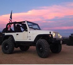 WHITE 2 DOOR JEEP MODIFIED