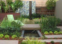 small-garden-lush-vegetation-decorating