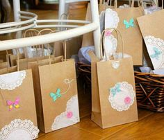"""Vintage Shabby Chic / Birthday """"Vintage and Shabby chic tea party"""" Shabby Chic Birthday Party Ideas, Vintage Birthday Parties, Tea Party Birthday, Birthday Ideas, Butterfly Party, Butterfly Birthday, Wrapping Ideas, Gift Wrapping, Heart Party"""