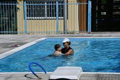 Το πρώτο ελληνικό δημόσιο σχολείο με πισίνα είναι γεγονός. Ελπίζουμε να δώσει το παράδειγμα Kai, Outdoor Decor, Chicken