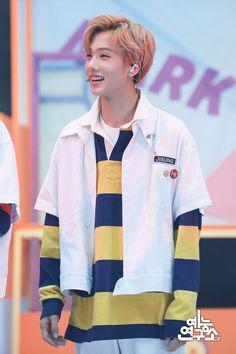 Our maknae is so cute, why is that sooooo? It makes me uwu all the time 🥺 don't touch me i'm soft 🥺💚 Park Ji-sung, Nct U Members, Nct Dream Members, Yang Yang, Winwin, Fandom, Taeyong, Jaehyun, Nct 127