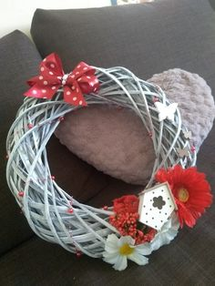 Valentine Decorations, Vence, Grapevine Wreath, Grape Vines, Wreaths, Home Decor, Decoration Home, Door Wreaths, Room Decor