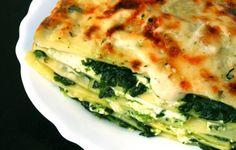 Ben je ook zo gek op lasagne? Ik word in ieder geval gelukkig met een lekker stuk bij het avondeten. Er zijn veel varianten op de lasagne, onderstaand recept is met spinazie en geitenkaas. In dit recept zijn de lasagnebladen vervangen door courgette. Een leuke manier om minder calorieën en...