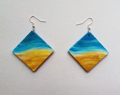 Handpainted wooden earrings, with a picture of a beach. It's a prefect boho idea for a summer celebration! Very light and stylish.