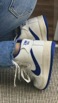 80s Shoes, Swag Shoes, Hype Shoes, Sneakers Mode, Sneakers Fashion, Shoes Sneakers, Aesthetic Shoes, Retro Aesthetic, Fresh Shoes