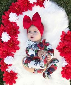 Newborn Bebe, Baby Girl Newborn, Cute Babies Photography, Newborn Baby Photography, Cute Baby Girl Outfits, Cute Baby Clothes, Baby Girl Pictures, Baby Photos, Baby Christmas Photos