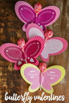 FREE Printable Butterfly Valentines - just print and a sucker for a super cute and fun Valentine! FREE Printable Butterfly Valentines - just print and a sucker for a super cute and fun Valentine! Unique Valentine Box Ideas, Valentine Boxes For School, Valentine Crafts For Kids, Homemade Valentines, Valentine Decorations, Handmade Valentine Gifts, Valentine's Cards For Kids, Printable Butterfly, Butterfly Crafts