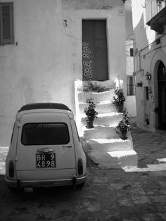 """Whitewashed walls of Ostuni, Italy...""""La Citta Bianca"""" and I get to live here! #toursouthernitaly #puglia #italy #ostuni #lacittabianca #bucketlist #winetours #golfandwinetours http://golfandwinetours.com/category/packages/extended-escape/"""