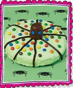 Mmm...spinnentaart gemaakt met smarties, dropveters en een negerzoen!