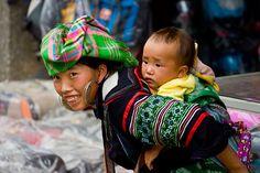 El niño en la espalda by Mr.Philux, via Flickr