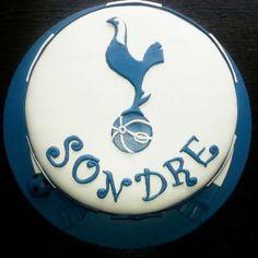 Konfirmasjonskake med Tottenham-tema  {Bakemagi.no} Birthday Cake, Desserts, Food, Tailgate Desserts, Deserts, Birthday Cakes, Essen, Postres, Meals