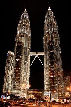 Petronas twin towers, Kuala Lumpur by Carlos Cass on 500px