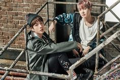 Jin e JHope BTS You Never Walk Alone