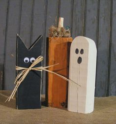 Rustic Halloween Black Cat, Pumpkin, Ghost Shelf Sitter, Set of 3 from… Halloween Rustique, Diy Deco Halloween, Primitive Halloween Decor, Halloween Wood Crafts, Holidays Halloween, Holiday Crafts, Primitive Pumpkin, Rustic Halloween Decorations, Primitive Fall Crafts