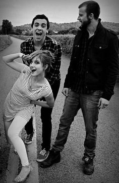 This has to be my favorite Picture of Hayley Williams< goddamnit it it's Paramore! Not just Hayley