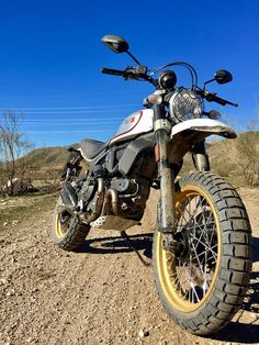 2017 Ducati Scrambler Desert Sled front view close-up