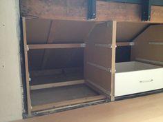 ladeblok maken - Google zoeken Attic Bedroom Storage, Attic Bedrooms, Attic Inspiration, Furniture Inspiration, Attic Loft, Loft Room, Eaves Storage, Diy Storage, Chill Room