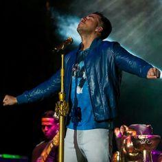 King of Bachata ❤🎤 Romeo Santos, Latin Music, Latin Dance, Haha, Eye Candy, Husband, Singer, My Love, Concert