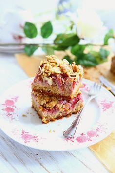 Strawberry Einkorn Slices with Almonds