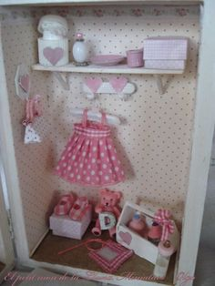 Box Frame Art, Box Frames, Vitrine Miniature, Miniature Rooms, Barbie Doll House, Barbie Dolls, Matryoshka Doll, Welcome Baby, Miniture Things Diy Dollhouse, Dollhouse Furniture, Dollhouse Miniatures, Vitrine Miniature, Miniature Rooms, Box Frame Art, Box Frames, Barbie Doll House, Barbie Dolls