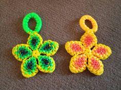 Discover recipes, home ideas, style inspiration and other ideas to try. Plastic Lace Crafts, Yarn Crafts, Bead Crafts, Crochet Geek, Creeper Minecraft, Gimp Bracelets, Paracord Bracelets, Bracelet Crochet, Lace Bracelet