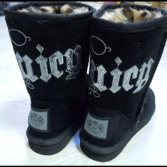 Juicy uggs with leopard fur inside. Nike Slippers, Tiny Shorts, Formal Pants, Great Legs, Stylish Tops, Go Shopping, Body Shapes, Clothing Items, Ugg Boots
