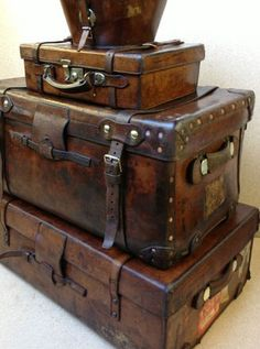 These vintage cases fit into so many design styles British Empire Tribal Retro Shabby chic with a wash of paint boho even modern industrial Any wonder they are so hard t. Vintage Suitcases, Vintage Luggage, Vintage Travel, Vintage Items, Old Trunks, Vintage Trunks, Trunks And Chests, Wooden Trunks, Antique Trunks