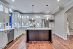 Custom made 6 bed 4 bath home in New Westminster, BC