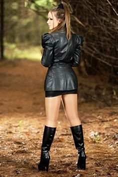 Pantyhose Outfits, Pantyhose Heels, Skirts With Boots, Jeans And Boots, Skirt Boots, Leather Fashion, Fashion Boots, Sexy Stiefel, Skirt Outfits