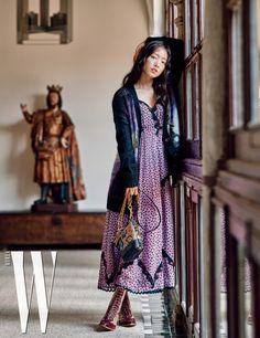 Korean Drama Actress Park Shin Hye's W Korea Pictorial in Spain – Scribble & Scroll Park Shin Hye, Colorful Fashion, Love Fashion, Korean Fashion, High Fashion, Female Actresses, Korean Actresses, Asian Actors, Korean Actors