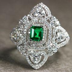 コロンビア産ノンオイルエメラルド0.5ct ダイヤ1.4ct プラチナ リング Emerald Ring http://www.rejou.jp/?mode=grp&gid=1108033&sort=n