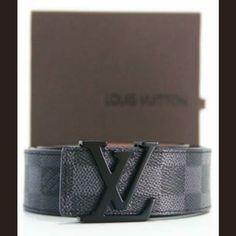 IDR 200.000  Merek (Brand) : Louis Vuitton  Kelengkapan (Additional Include) : - Kotak Louis Vuitton (Louis Vuitton Box)  EliTeStore menyediakan barang-barang berkualitas High Quality..Jadi bisa dipastikan bahwa barang-barang yang kami jual adalah untuk mementingkan kualitas..Terima Kasih…